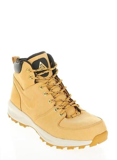 Nike Manoa Taba